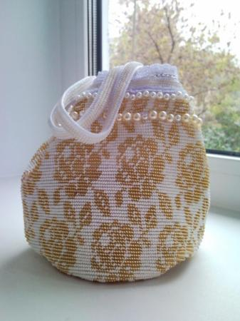 бисерная сумочка невесты.