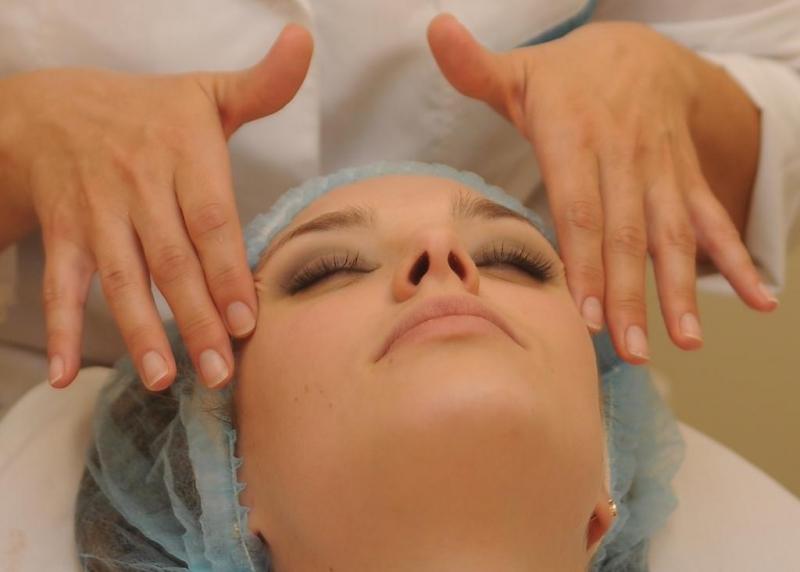 Женщины обычно заказывают массаж с лимфодренажным или пластическим эффектом.