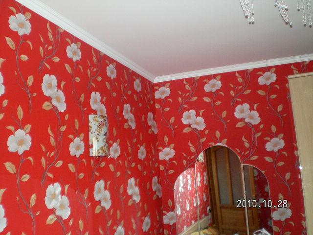 Покраска обоев на потолке под покраску своими руками видео